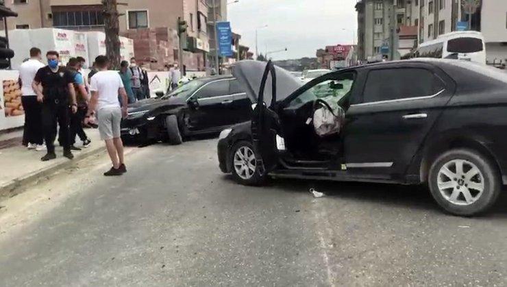Sapanca'da iki otomobil çarpıştı: 2 yaralı