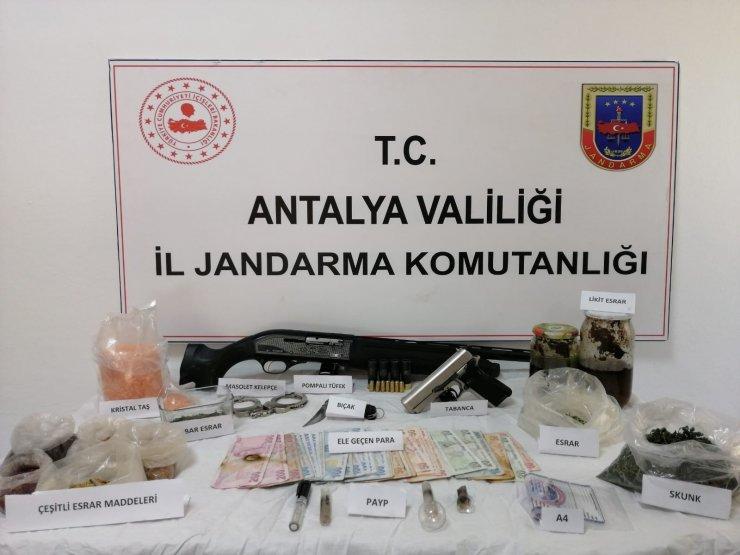 Kaş'ta uyuşturucu operasyonu
