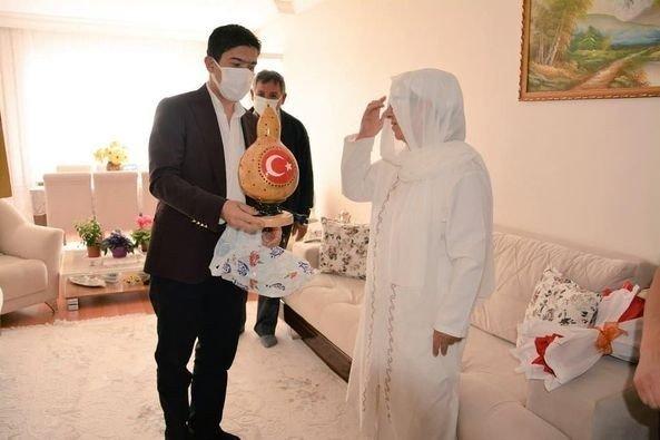 Kaymakam Öztürk'ten şehit annelerine anlamlı ziyaret