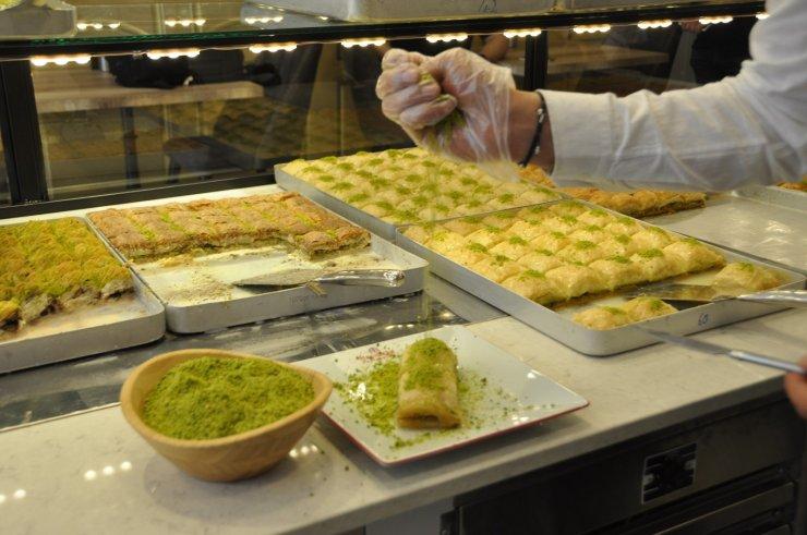 Hacıbaba Pastaneleri, pandemiye rağmen 21'inci şubesini Kızıltepe'de açtı