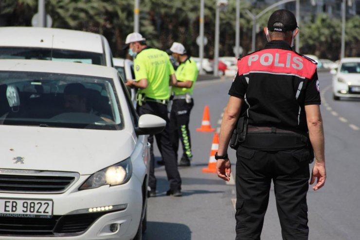 İzmir'de tam kapanma kurallarına uymayanlara 34 milyon liranın üzerinde ceza