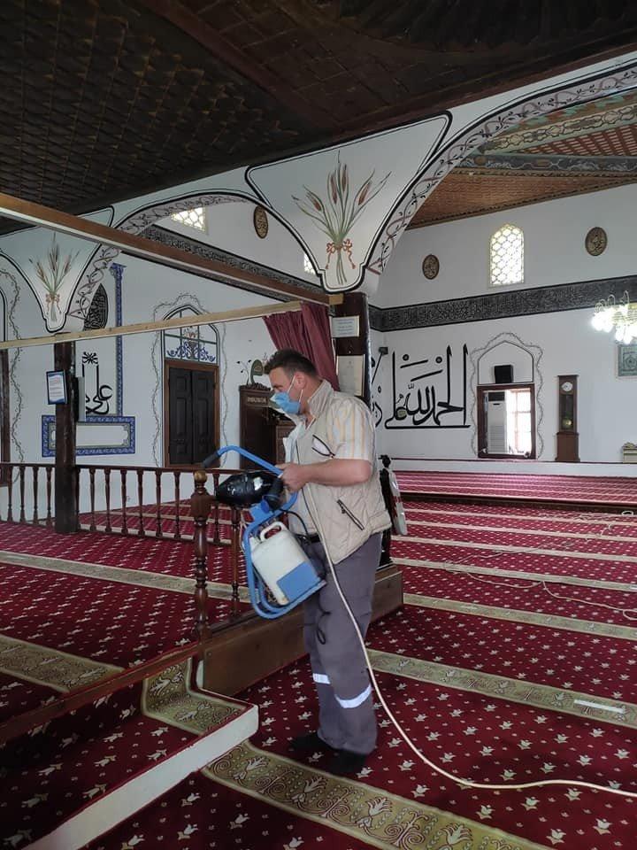 Bayram öncesi tüm camiler dezenfekte edildi