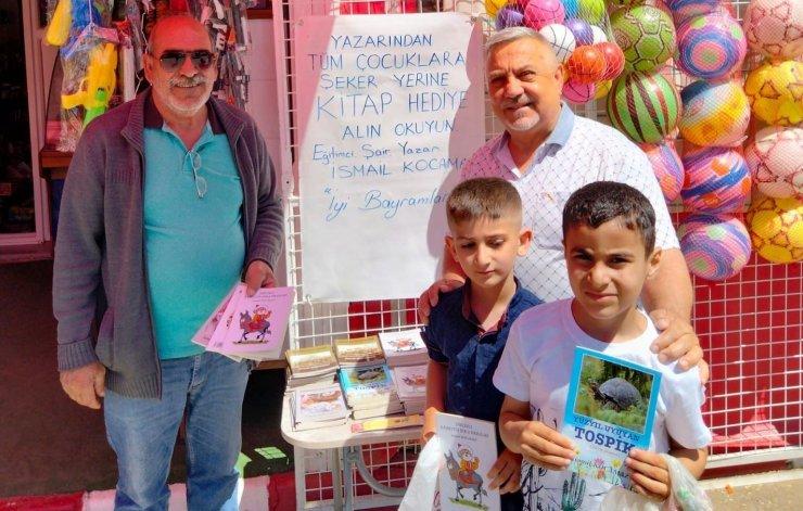 Salihlili yazardan çocuklara bayram hediyesi