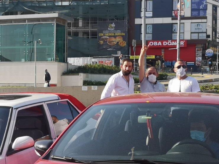 Çekmeköy'de 'İsrail'e lanet Filistin'e destek' konvoyu