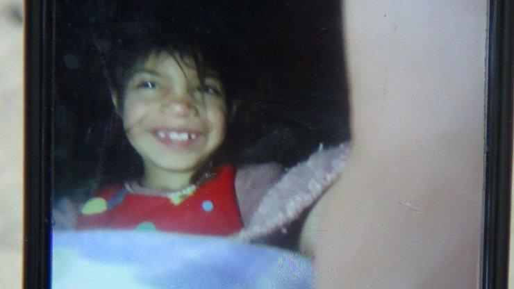 Van'da köpeklerin saldırdığı 6 yaşındaki Ruken gözyaşları içinde defnedildi