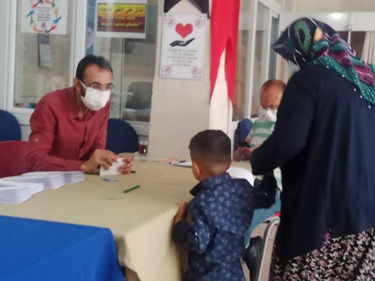 Şuhut'ta 300'e yakın yetim ve ihtiyaç sahibi çocuğun yüzü güldü
