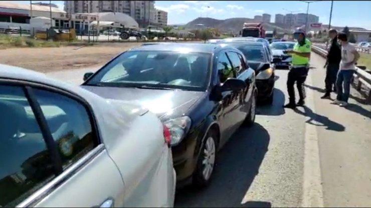 Kırıkkale'de zincirleme trafik kazası: 1 yaralı