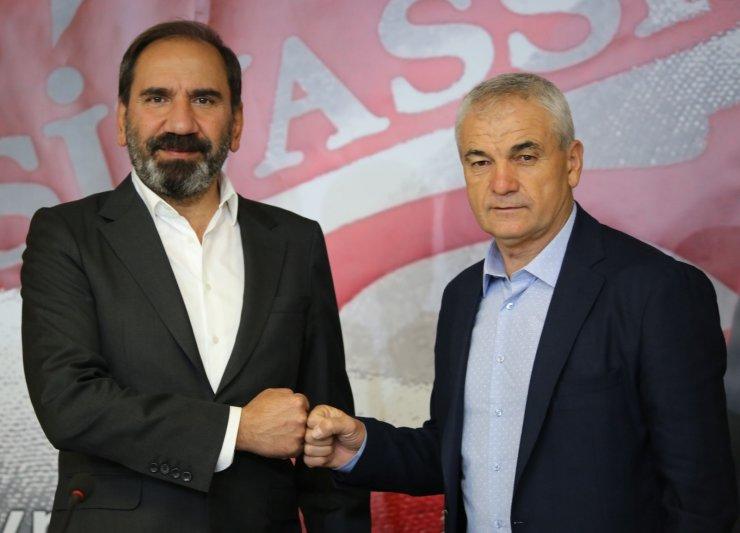 Sivasspor, Rıza Çalımbay'la 1 yıl daha yola devam edecek