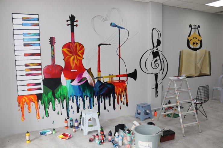 Sanat Akademisi'nin duvarları renkleniyor