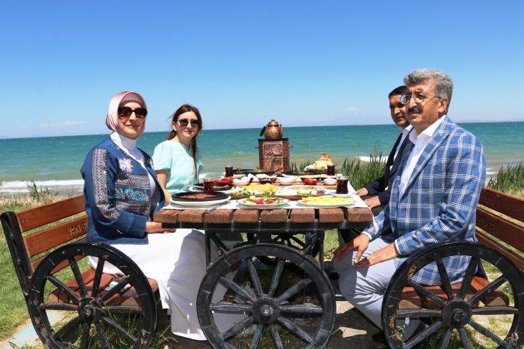 Van'da 'Dünya Kahvaltı Günü' etkinliği