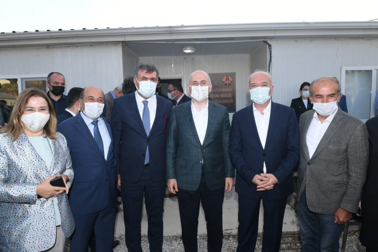 """Bakan Karaismailoğlu: """"Dursunbey- Balıkesir yolu en kısa zamanda tamamlanacak"""""""