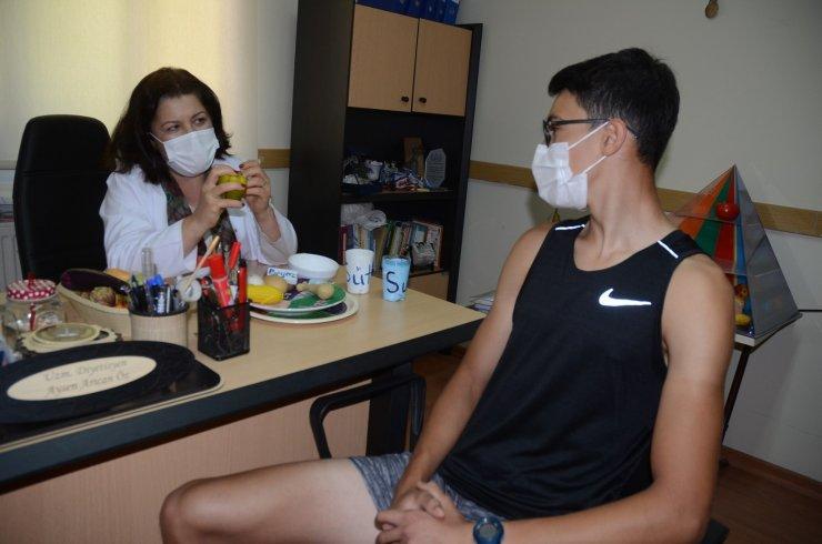 Kuşadası Belediyesi'nin ücretsiz diyetisyen hizmeti yoğun ilgi görüyor