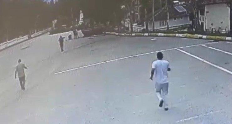 Tokat'ta 6 kişinin yaralandığı kaza anı güvenlik kamerasına yansıdı