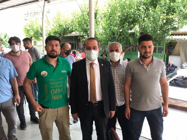 AK Parti'li Kırkpınar, Kemalpaşa'da vatandaşlarla bir araya geldi