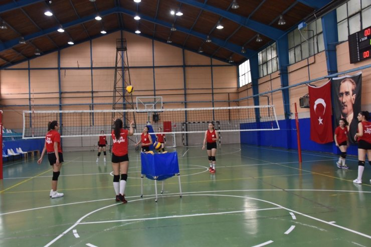 Bozüyüklü 'Bizim Kızlar' finallere hazırlanıyor