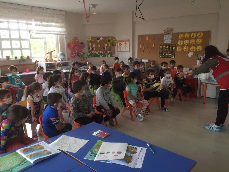 Genç Kızılay Bilecik gönüllüleri anaokulu öğrencileriyle buluştu