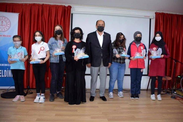 Yunus Emre ve Türkçe Yılı etkinliklerinde ödüller sahiplerini buldu