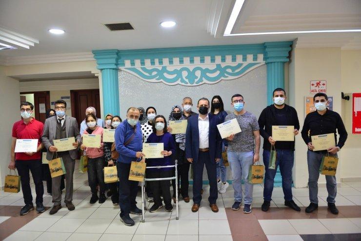 Proje Hazırlama ve Yönetimi kursiyerleri sertifikalarını aldı