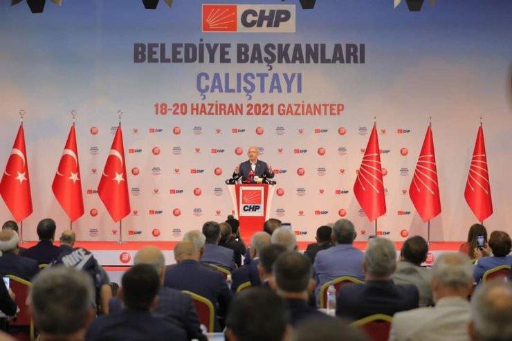 Başkan Yüksel, CHP'nin Belediye Başkanları Çalıştayı'na katıldı