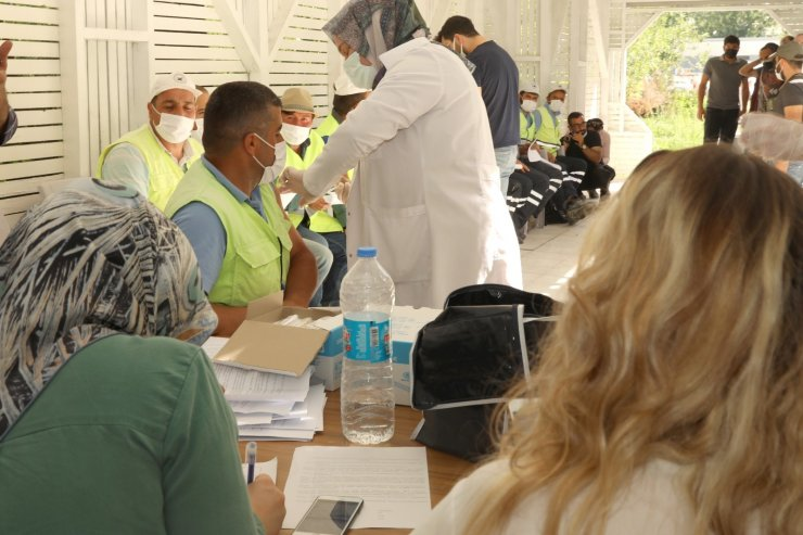 İpekyolu Belediyesi personeli korona virüs aşısı oldu
