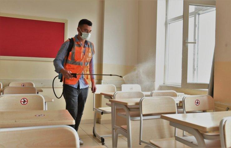 YKS sınavı öncesi okullar dezenfekte edildi