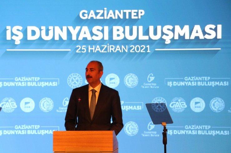 """Adalet Bakanı Gül: """"Sivil bir anayasa hepimizin ev ödevidir"""""""