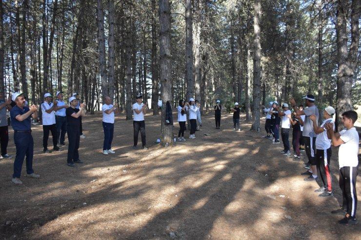 Bingöl'de doğa yürüşü ve çevre temizliği etkinliği yapıldı