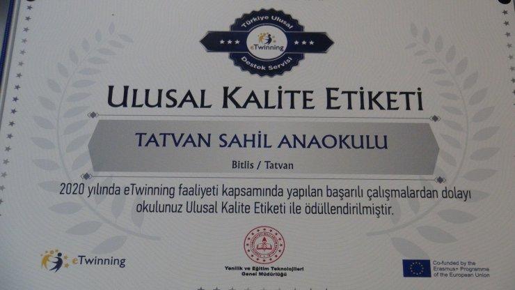 Bitlis'te iki okul 'eTwinning Okulu Etiketi' aldı