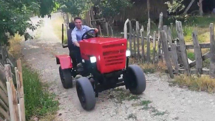 Görüp hayal etti, kendi traktörünü yaptı
