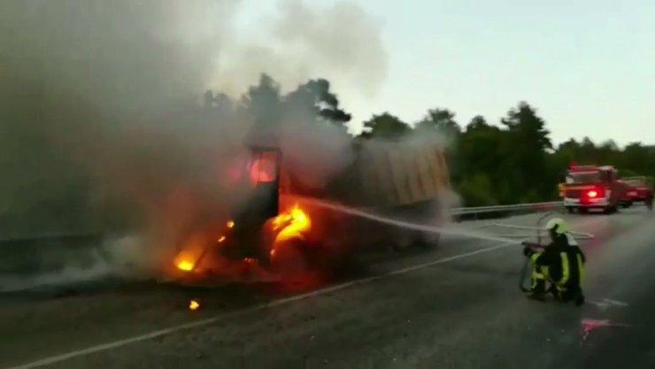 Bomba gibi patlayan kamyonun yeni görüntüleri ortaya çıktı
