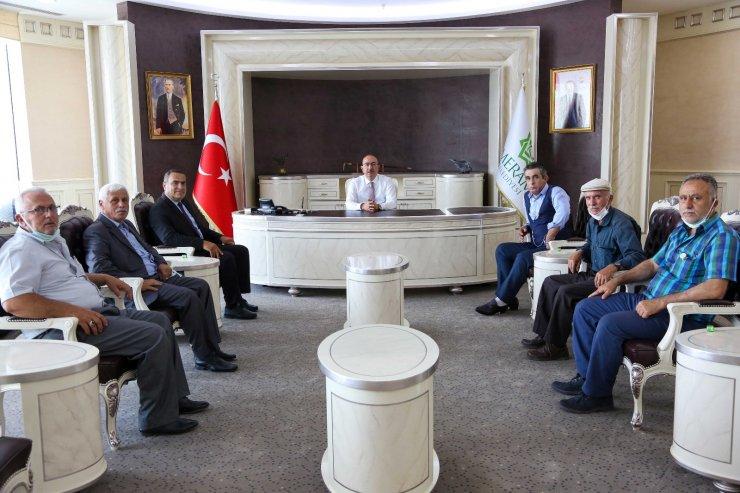 """Başkan Kavuş: """"Yeni muhtarlarımızla uyum içerisinde çalışmaya devam edeceğiz"""""""
