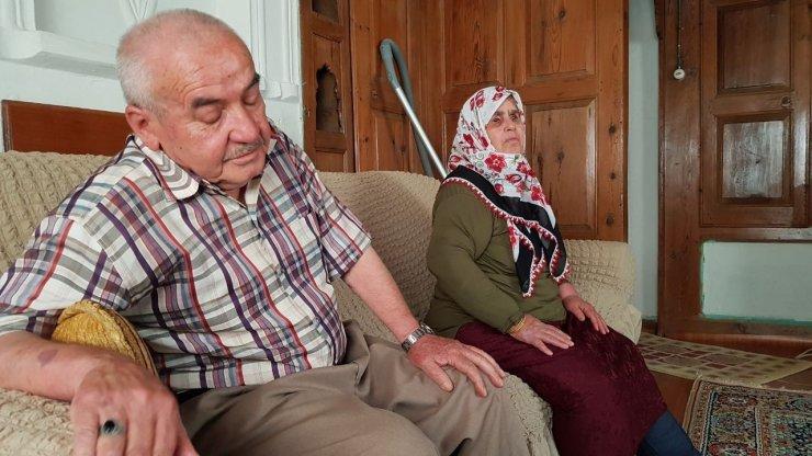 Hırsızlıkla suçlanan yaşlı adamın senetle 20 bin TL'sini aldılar iddiası
