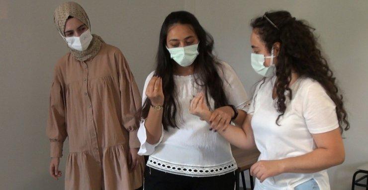 Erzincan'da vatandaşlara ücretsiz işaret dili kursu