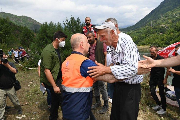 """Bakan Karaismailoğlu: """"Oluşan hasarları kısa zamanda ortadan kaldıracağız"""""""