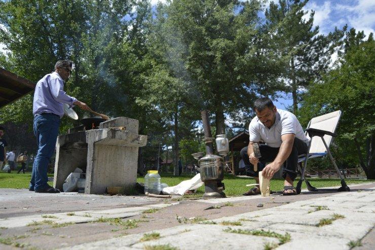 Kurban bayramı sonrası mesire alanları tıka basa doldu