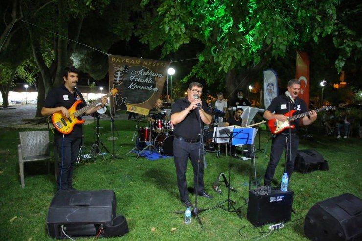 Selçuk'ta bayram neşesi, Açıkhava Ferahlı Konserleri ile yaşandı