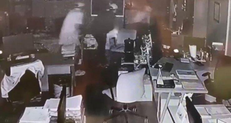 Tuzla'da çelik kasa hırsızları kamerada