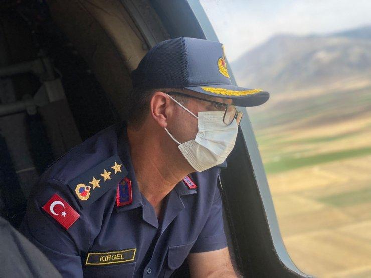 Bayram tatilinin son gününde jandarma havadan trafik denetimi yaptı