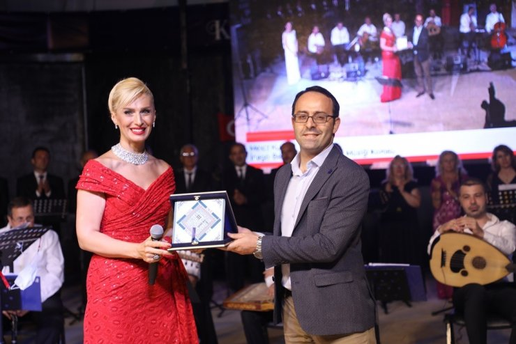 İnegöl'de unutulmaz Türk Halk Müziği gecesi