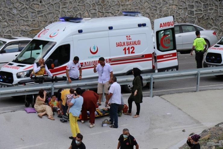 Otomobil 30 metreden şarampole uçtu: 1 ölü, 7 yaralı