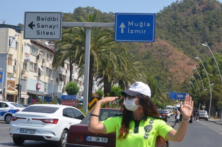 Marmaris'teki son bayram tatilcileri de geri dönüyor