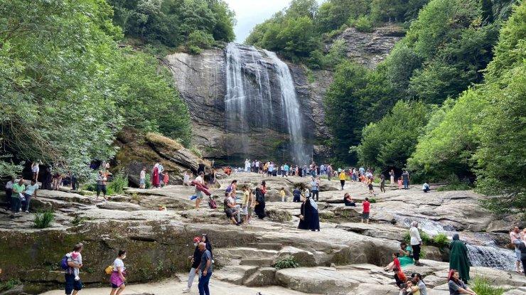 Suuçtu bayram tatilinde ziyaretçi akınına uğradı