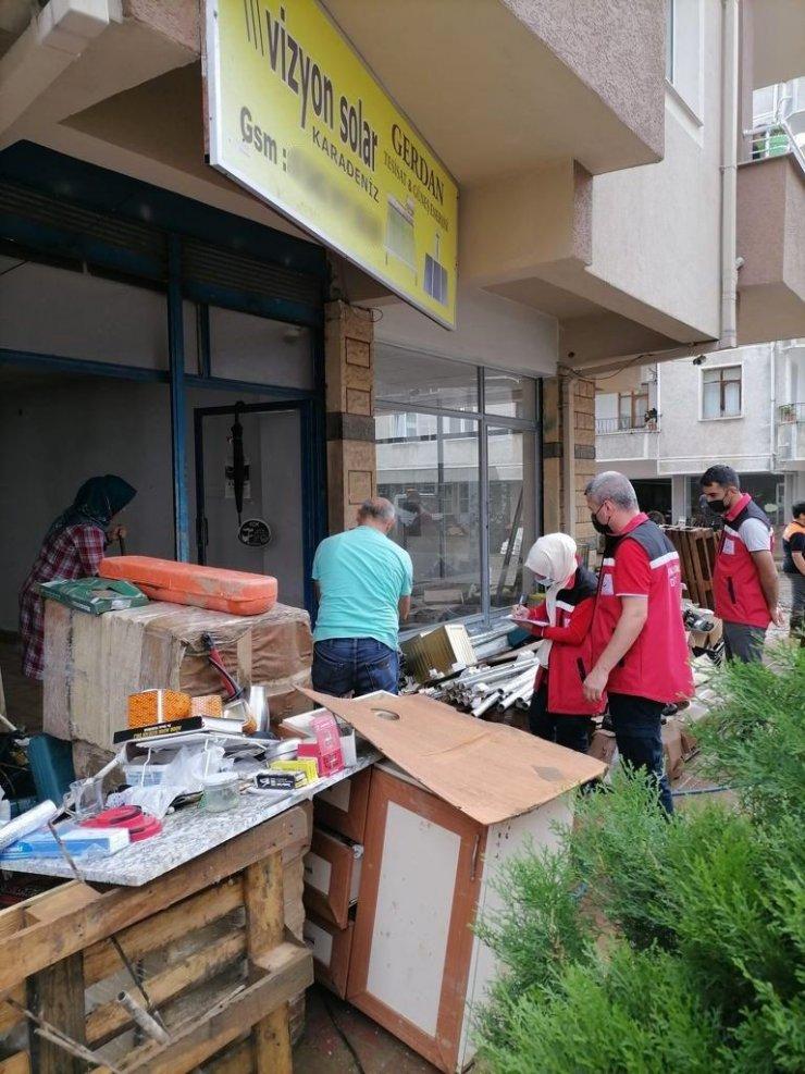 Bakan Yanık, Artvin'de yaşanan sel felaketinden etkilenen vatandaşlar için, 5 milyon TL kaynak aktarımının yapılacağını duyurdu