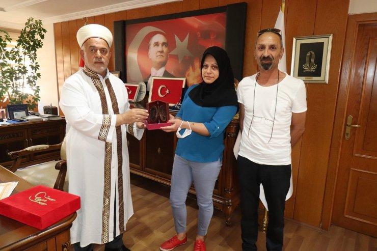 Gürcü kadın Elazığ'da Müslüman olup Elif ismini aldı