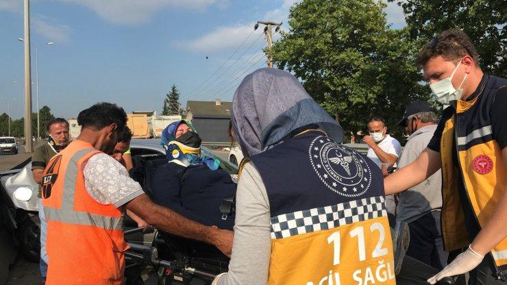 Kocaeli'de tır ile otomobil çarpıştı: 2 yaralı