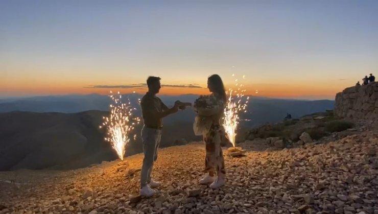 Nemrut Dağı'nda evlenme teklifi
