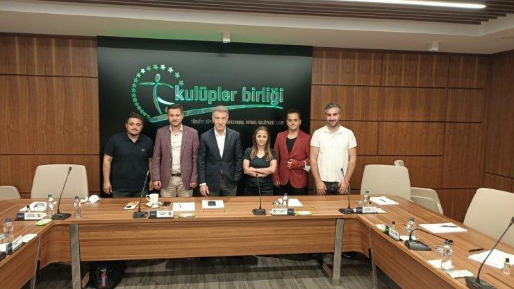 TSYD Trabzon Şubesi'nden Ahmet Ağaoğlu'na ziyaret