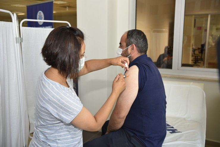 Selçuklu Belediyesi'nden aşı kampanyasına destek