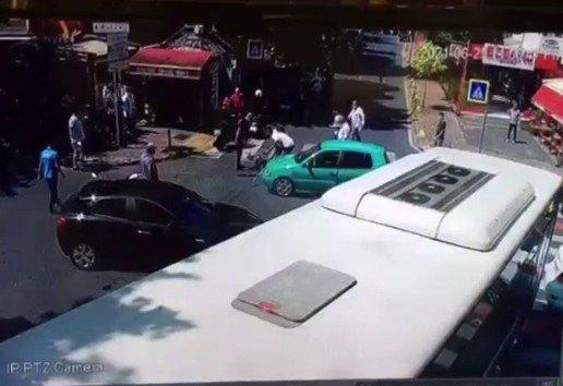 Fırsatı kaçırmayan hırsız, kaza yapan sosyal medya fenomenin cep telefonunu böyle çaldı