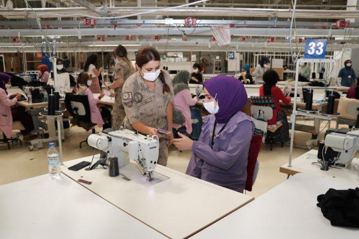Bingöl'de kadınlara KADES uygulaması anlatıldı